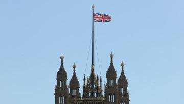 Вид на здание парламента в Лондоне. Архивное фото.