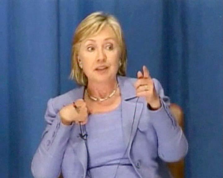 Клинтон вышла из себя на пресс-конференции в Конго