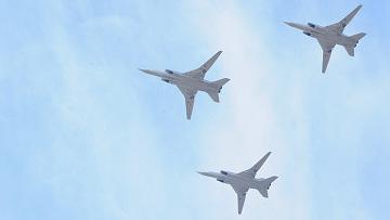Дальние бомбардировщики Ту-22М3. Архивное фото