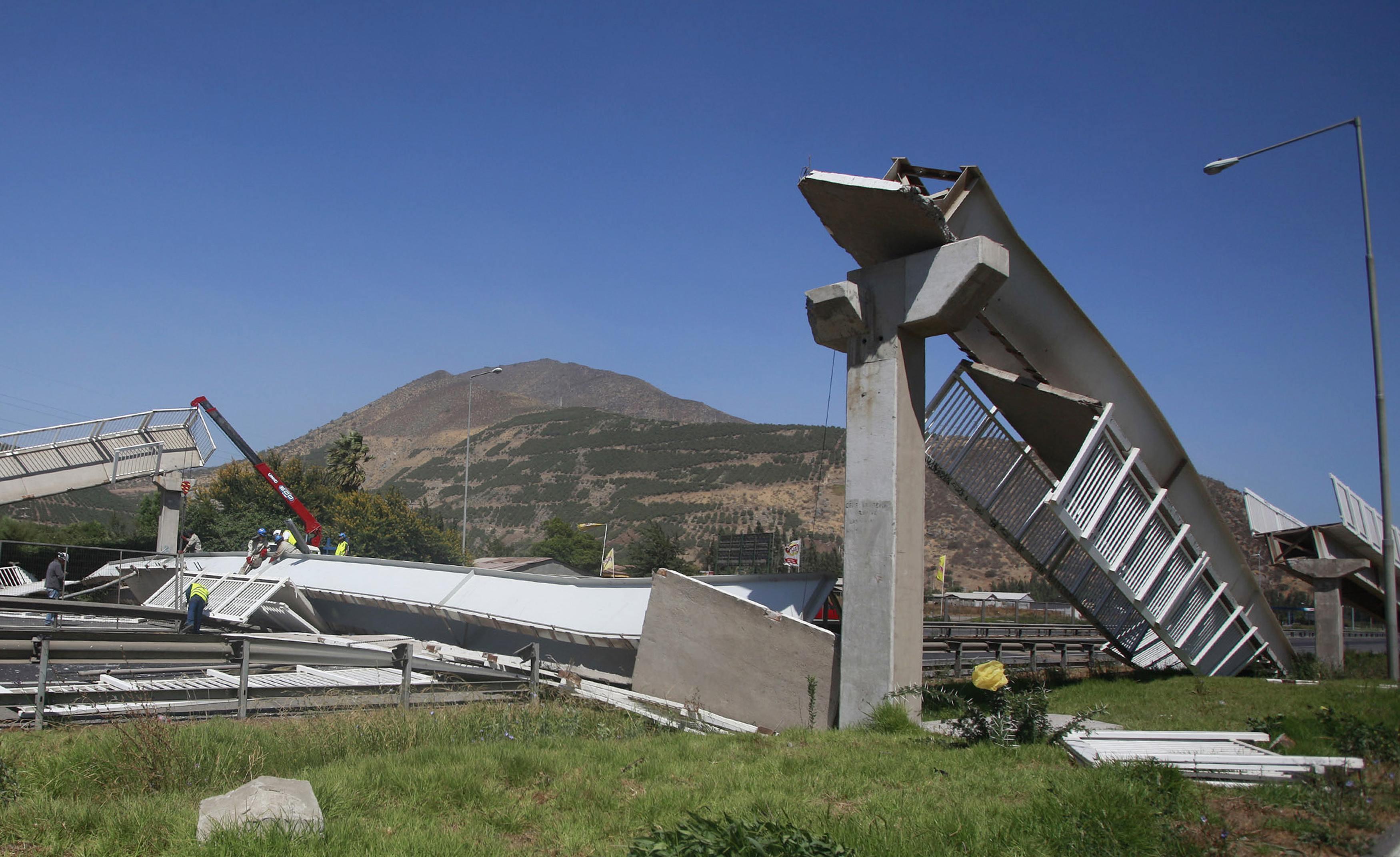 Последствия мощного землетрясения в Чили