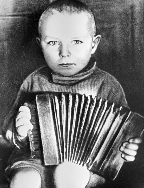Герман Титов в раннем детстве
