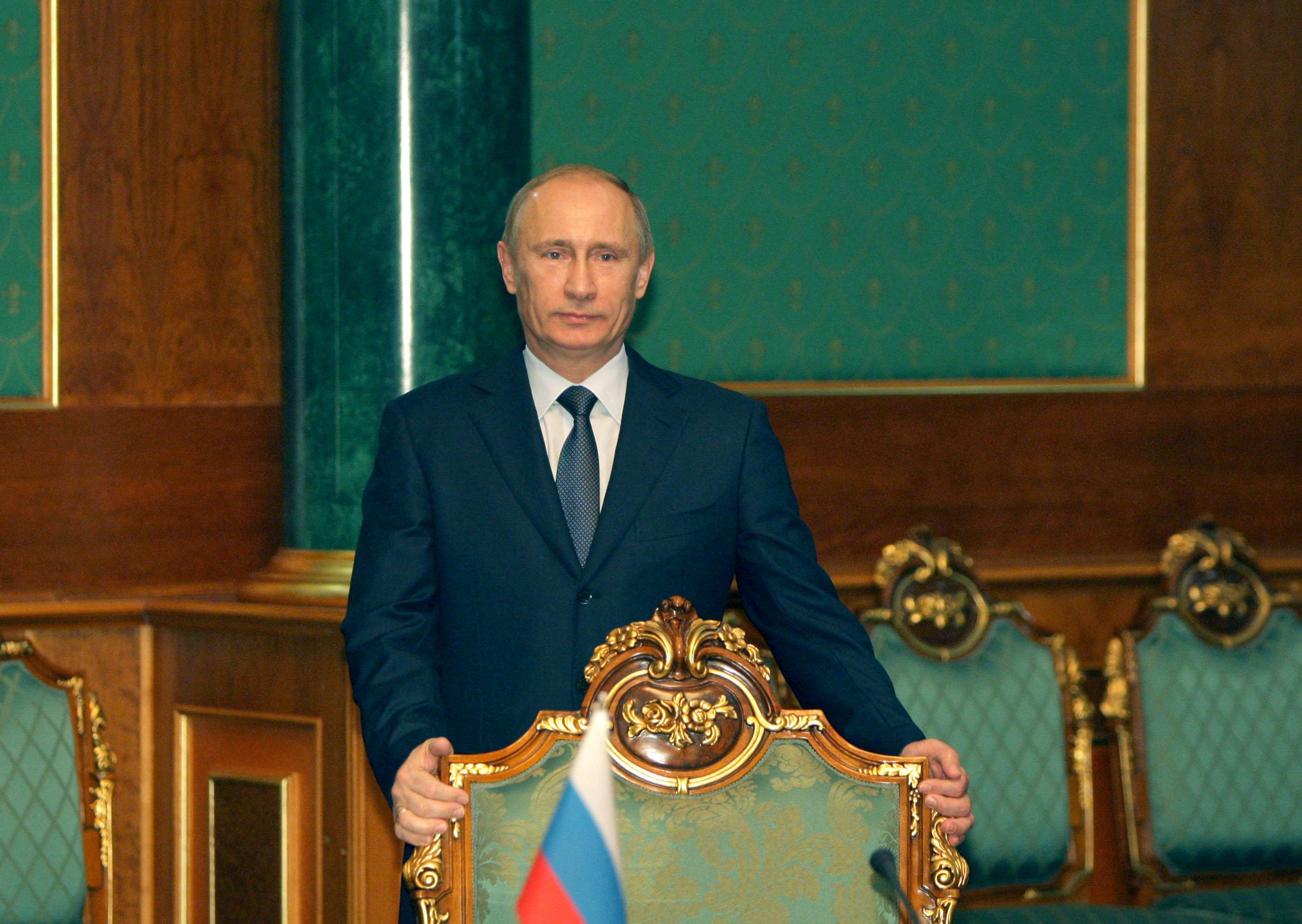 Премьер-министр РФ Владимир Путин в Душанбе 25 ноября 2010 года