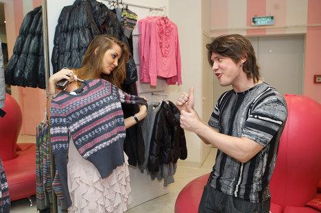 Алексей Кабанов  и его девушка модель Дарья Коновалова выступили в роли звездных стилистов