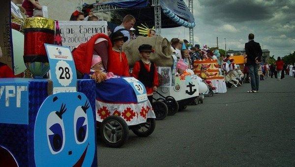 Парад детских колясок в Петербурге