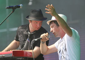 Солисты группы Ундервуд Максимом Кучеренко и Владимиром Ткаченко. Архивное фото