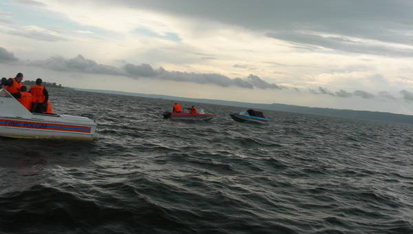 Спасательная операция на месте аварии теплохода Булгария