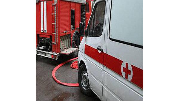 Пожарная машина, скорая помощь. Архив.