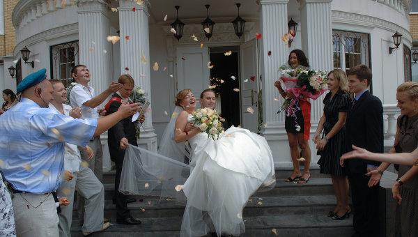 Подарки на регистрацию брака