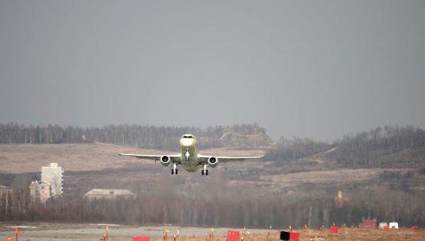 Первый серийный самолет Sukhoi Superjet 100 совершил премьерный полет