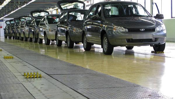Цех сборки автомобилей Калина на АвтоВАЗе. Архивное фото