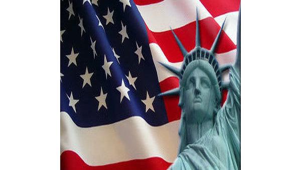 Американский флаг и статуя свободы. Коллаж