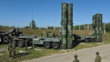 С-400 Триумф охраняет воздушные рубежи Москвы и центральных промышленных районов РФ. Архив
