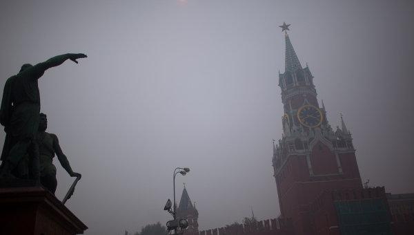 Москва в дыму от лесных пожаров. Архивное фото