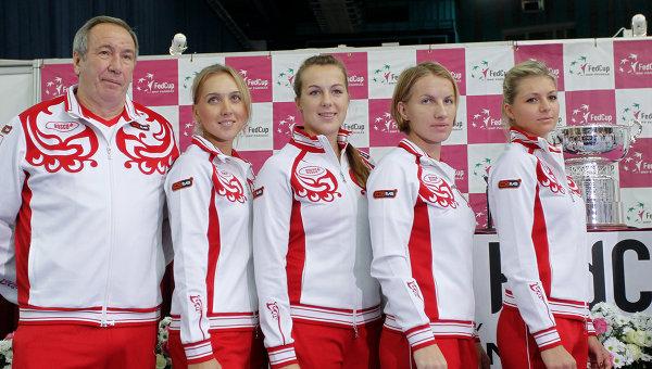Шамиль Тарпищев, Елена Веснина, Анастасия Павлюченкова, Светлана Кузнецова, Мария Кириленко (слева направо)