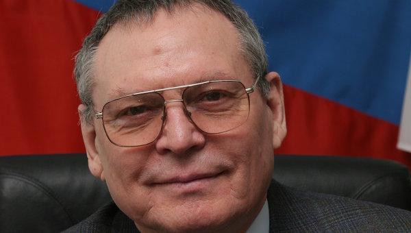 Ректор Академии повышения квалификации и профессиональной переподготовки работников образования Эдуард Никитин