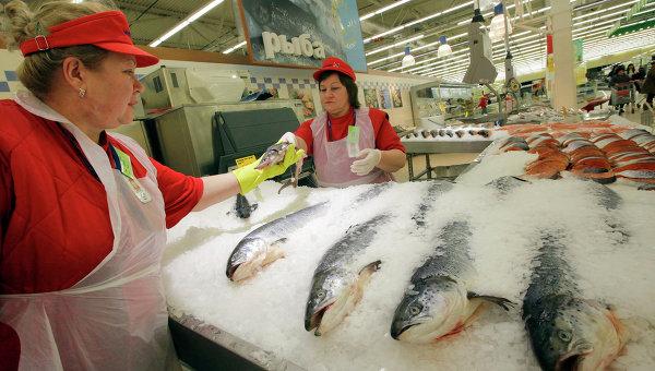 Рыбный отдел в магазине, архивное фото