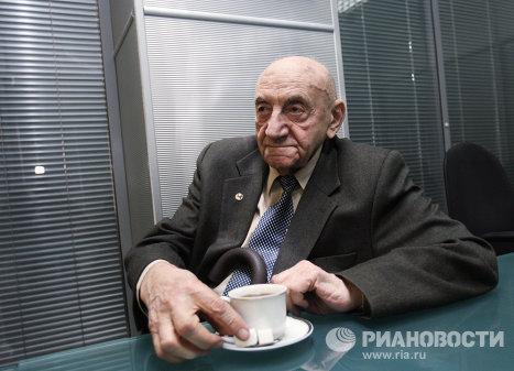 Б.Черток - патриарх космонавтики