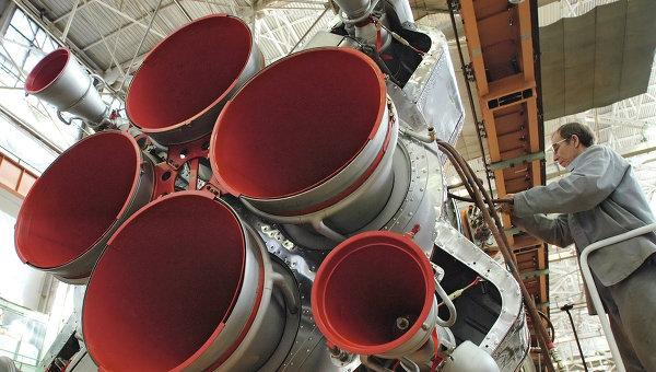Сборка ракеты-носителя Союз, архивное фото