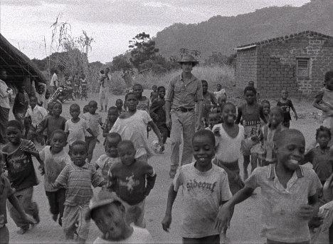 Кадр из фильма Табу (Tabu)