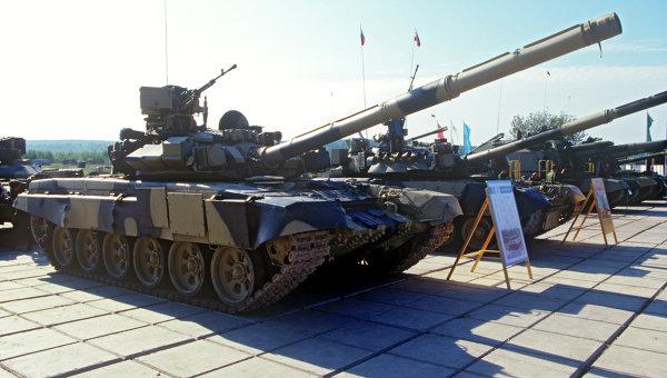 Основной боевой танк Т-90С. Архивное фото