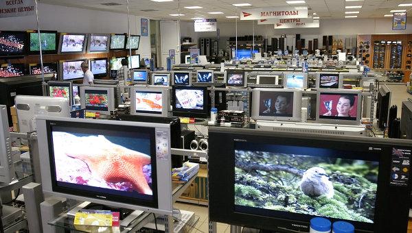 Продажа видеотехники. Архивное фото