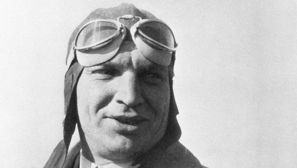 Летчик-испытатель Валерий Чкалов. Архивное фото