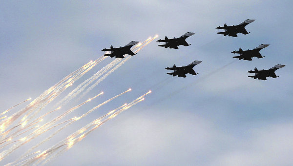 Фигуры высшего пилотажа в исполнении Русских витязей
