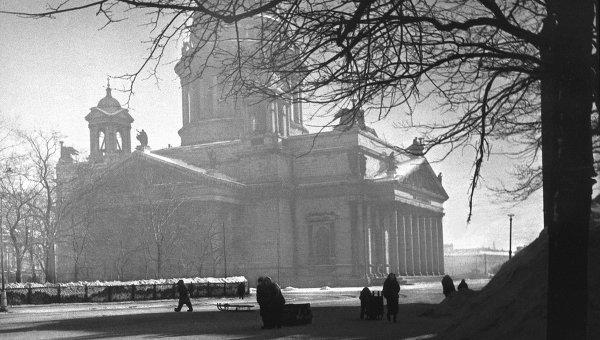 Ленинград в дни блокады в 1943 году