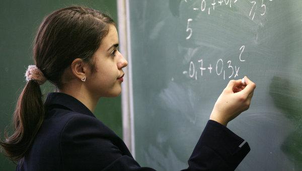 Эксперименты по дроблению оценок в школах РФ могут начаться в этом году - Фурсенко