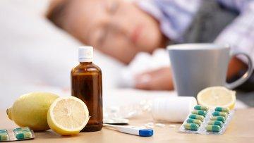 Лекарства, принимаемые во время гриппа и простуды. Архивное фото