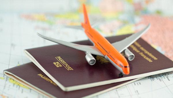 Заграничные паспорта. Архивное фото