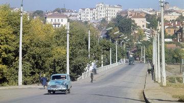 Вид Винницы. Мост через реку. Архивное фото