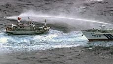 Бой на водометах устроили японские и тайваньские суда в спорной акватории