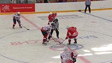 Путин в хоккейном матче с финнами выиграл вбрасывание