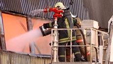 Пожар уничтожил склад горюче-смазочных материалов в Мурманске