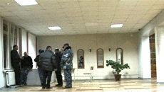 Неизвестные убили военнослужащего в школе в Нальчике. Видео с места ЧП