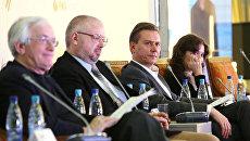 Участники секционного заседания в рамках Ежегодного форума европейских и азиатских медиа в Астане