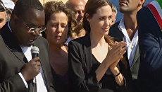 Анджелина Джоли поблагодарила жителей Лампедузы за помощь беженцам