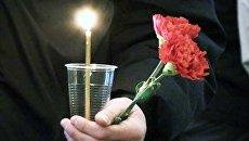 Петербуржцы зажгли свечи в память о жертвах теракта ровно в 16.32