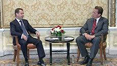 Медведев прилетел в Калифорнию за мощными связями в сфере технологий