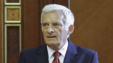 Председатель Европарламента Ежи Бузек. Архив