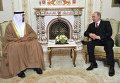 Президент России Владимир Путин и наследный принц Абу-Даби Мухаммед бен Заид Аль Нахайян (справа налево)