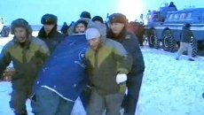 Космонавты в капсуле Союз приземлились в заснеженные казахские степи