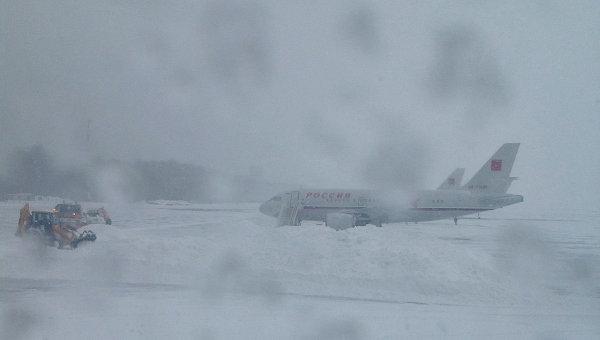 Задержка самолета в аэропорту, архивное фото