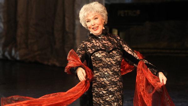 Творческий вечер, посвященный 85-летнему юбилею актрисы Веры Васильевой, прошел в театре Сатиры. Архив