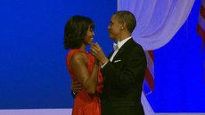 Мишель Обама в красном платье танцевала на балу в честь инаугурации мужа