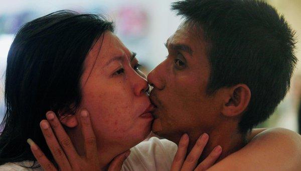 Самый длинный поцелуй в мире