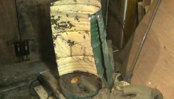 Бочка с цементом, в которой было найдено тело депутата Липецкого городского совета Михаила Пахомова