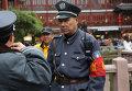 Полицейский в старм городе