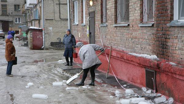 Уборка льда. Архивное фото